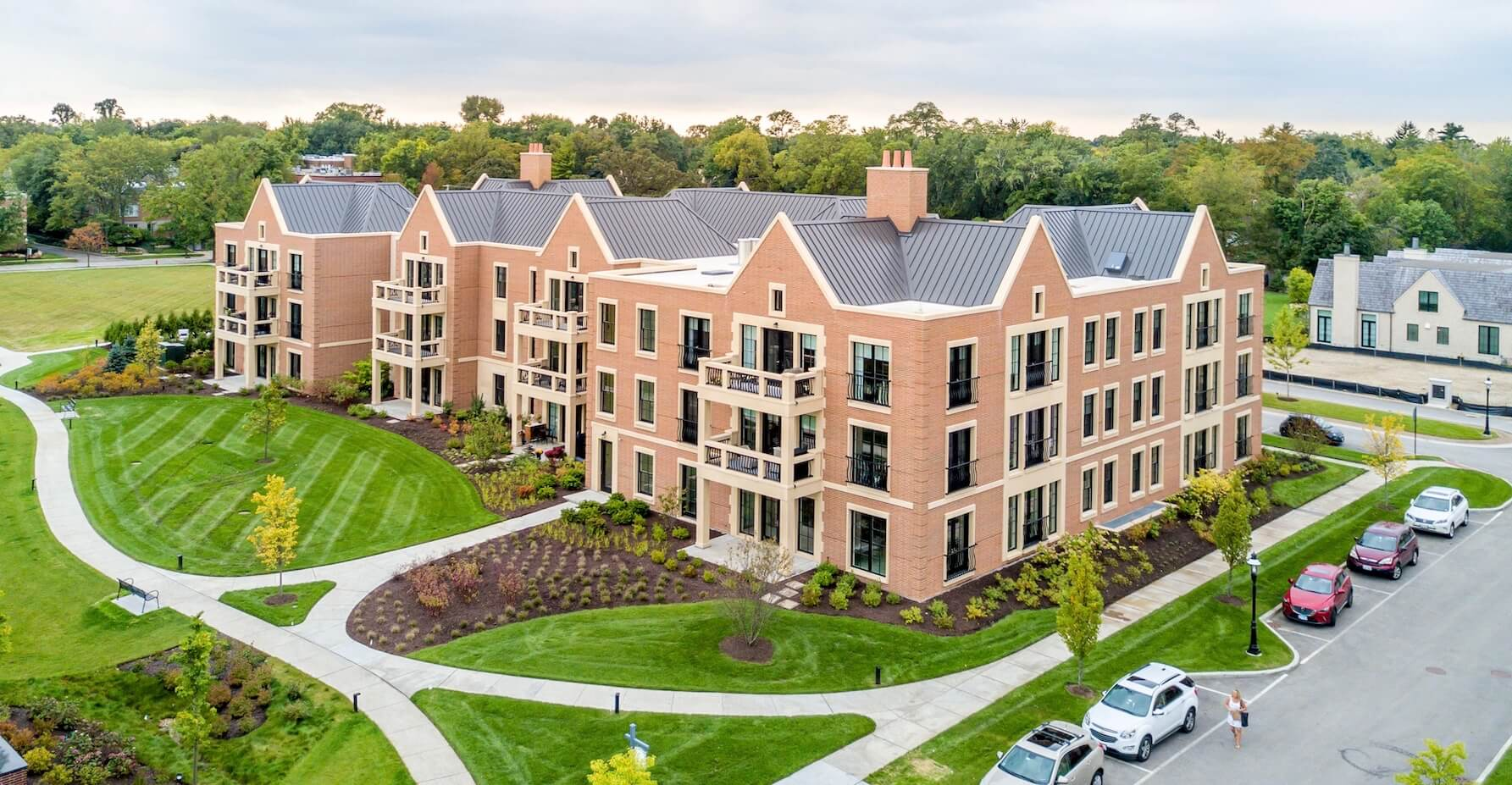 Lake Forest Condos Banner Image